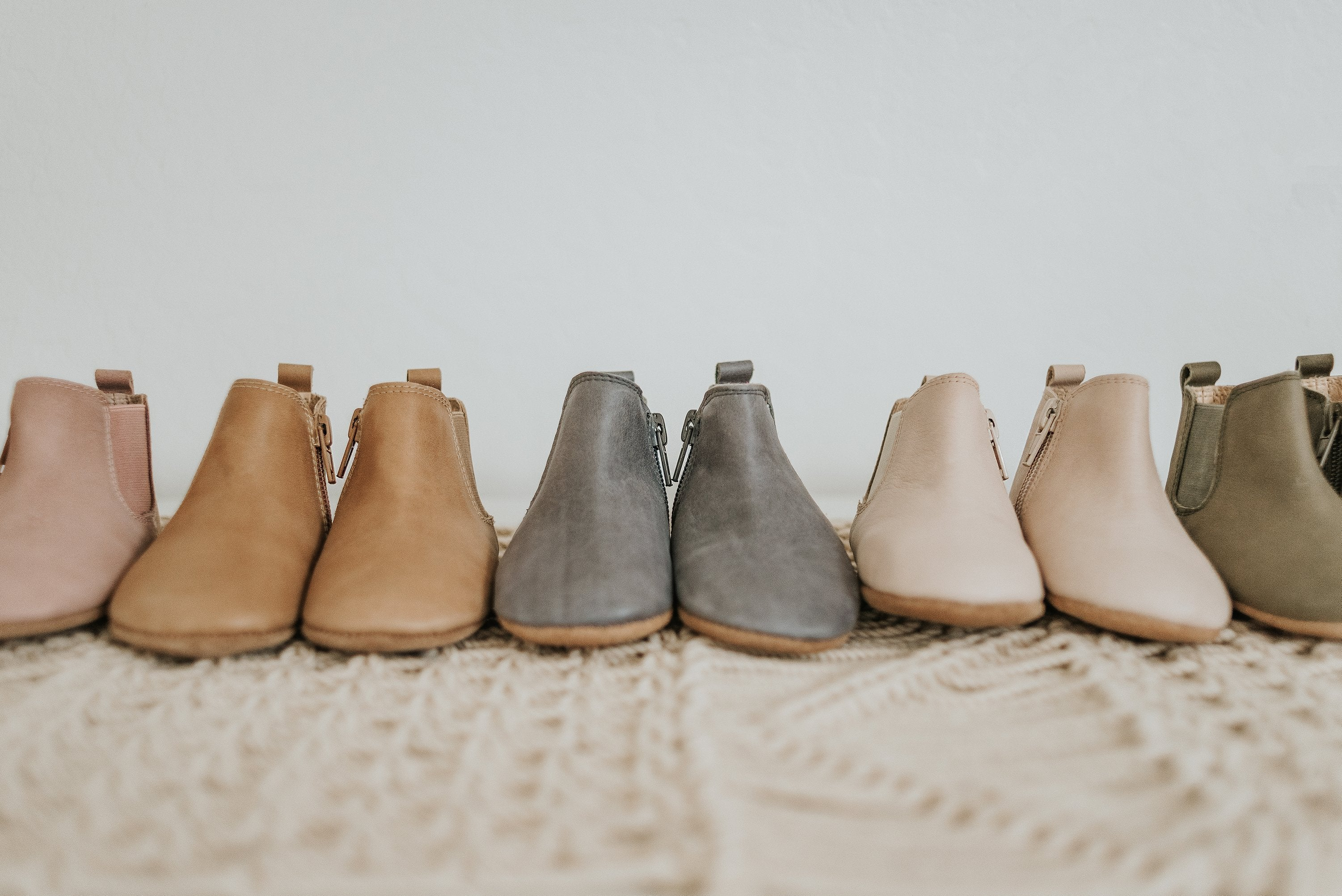 Load image into Gallery viewer, leather baby boots