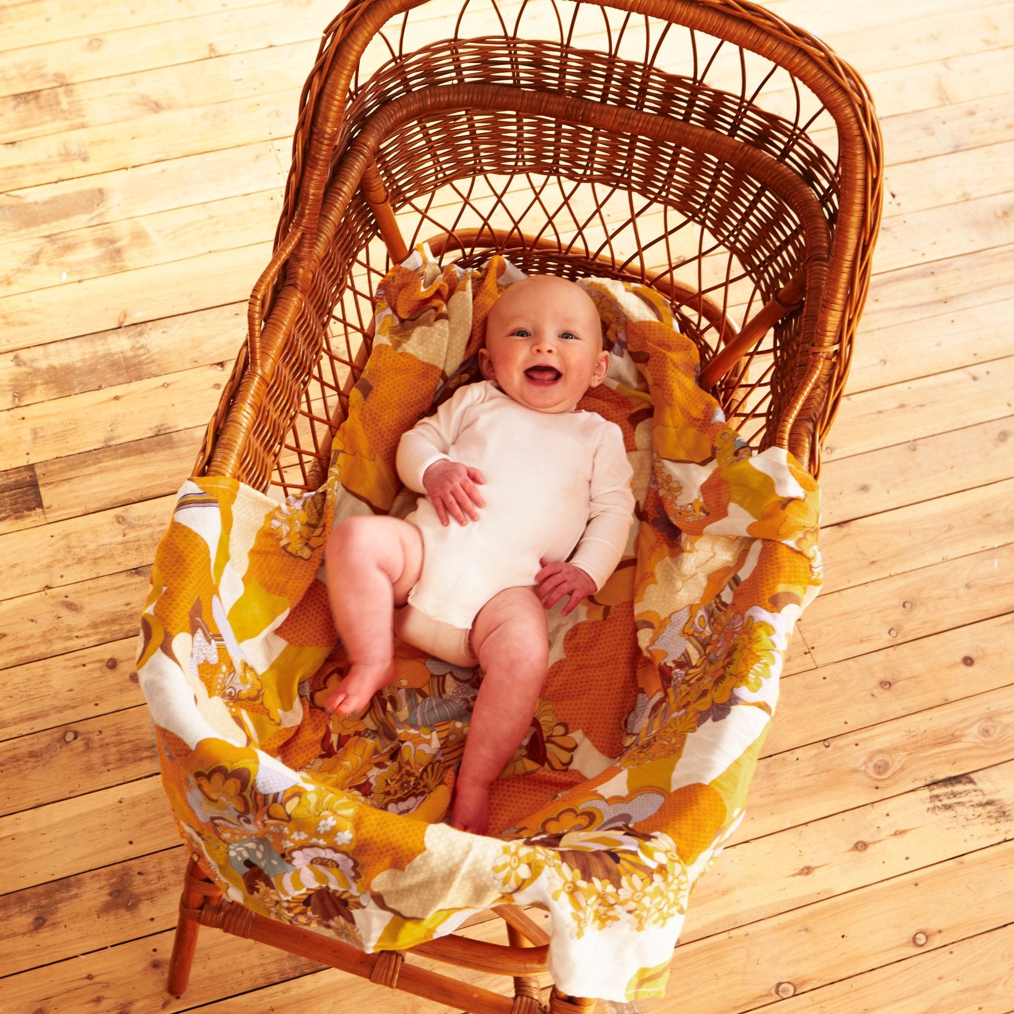 Load image into Gallery viewer, 70s style baby swaddles from banabae organic cotton and bamboo fabric