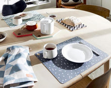 Load image into Gallery viewer, Placemat Triangle - 2 Pcs/Pack - Light Grey