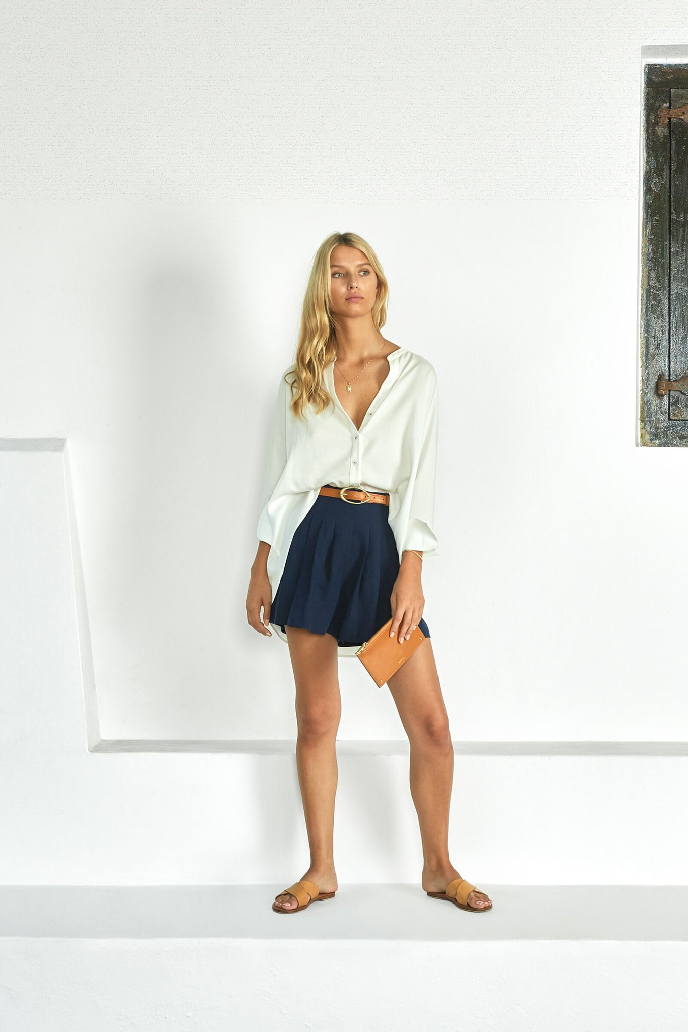 Shop the flowy painters shirt with buttons from Sancia