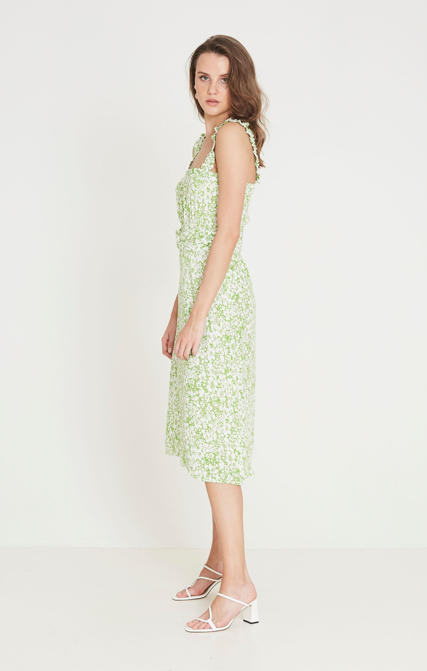 Load image into Gallery viewer, Women's Faithfull The Brand Mae Midi Dress Freja Floral Print