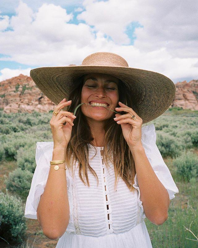 Load image into Gallery viewer, Womens Ultra Wide Palma Boater Hat by Lack of Color