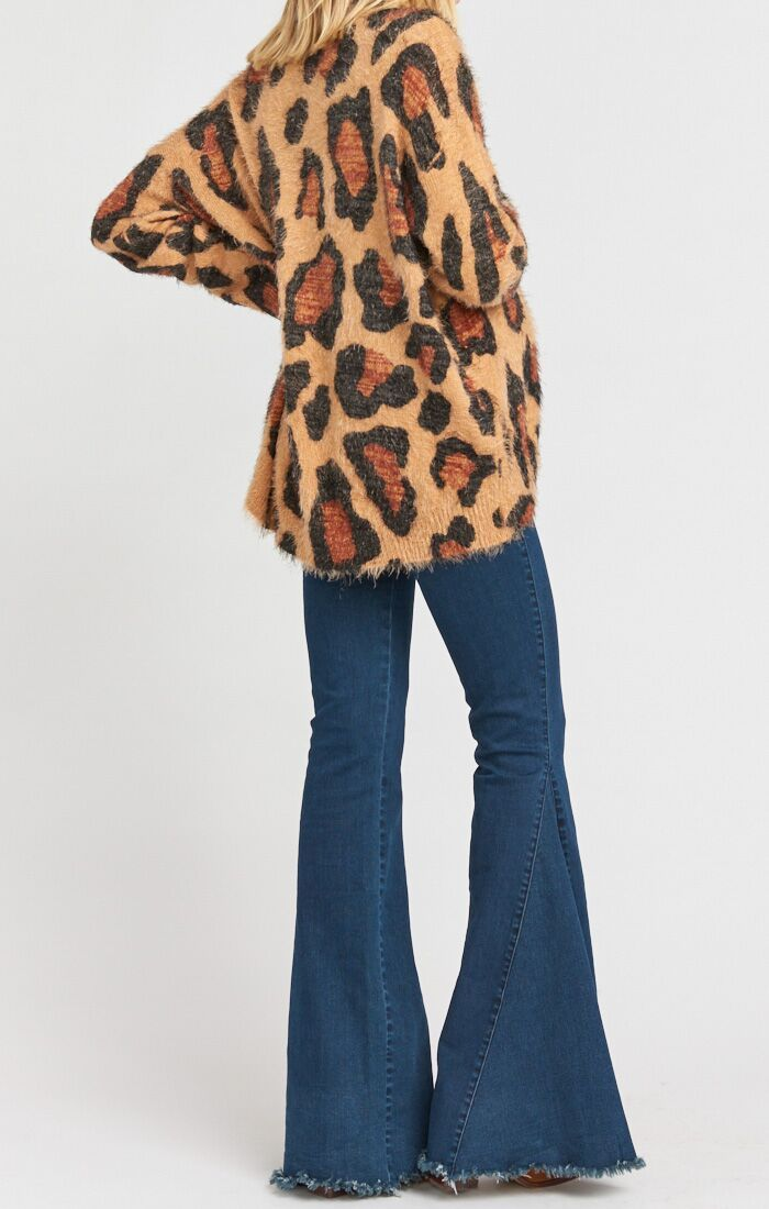 Load image into Gallery viewer, Fatima Turtleneck Sweater Cheetah Fever Knit