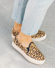 Load image into Gallery viewer, Soludos Leopard Bondi Sneaker
