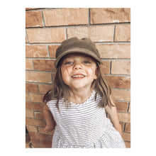 Load image into Gallery viewer, Fini. Children's Baker Hat (Khaki)