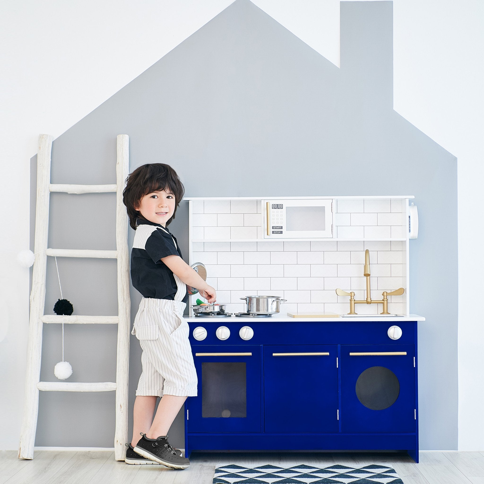 Load image into Gallery viewer, Little Chef Berlin Modern Play Kitchen - White / Blue | Teamson Kids - Costume + Pretend Play - Play Kitchen + Food