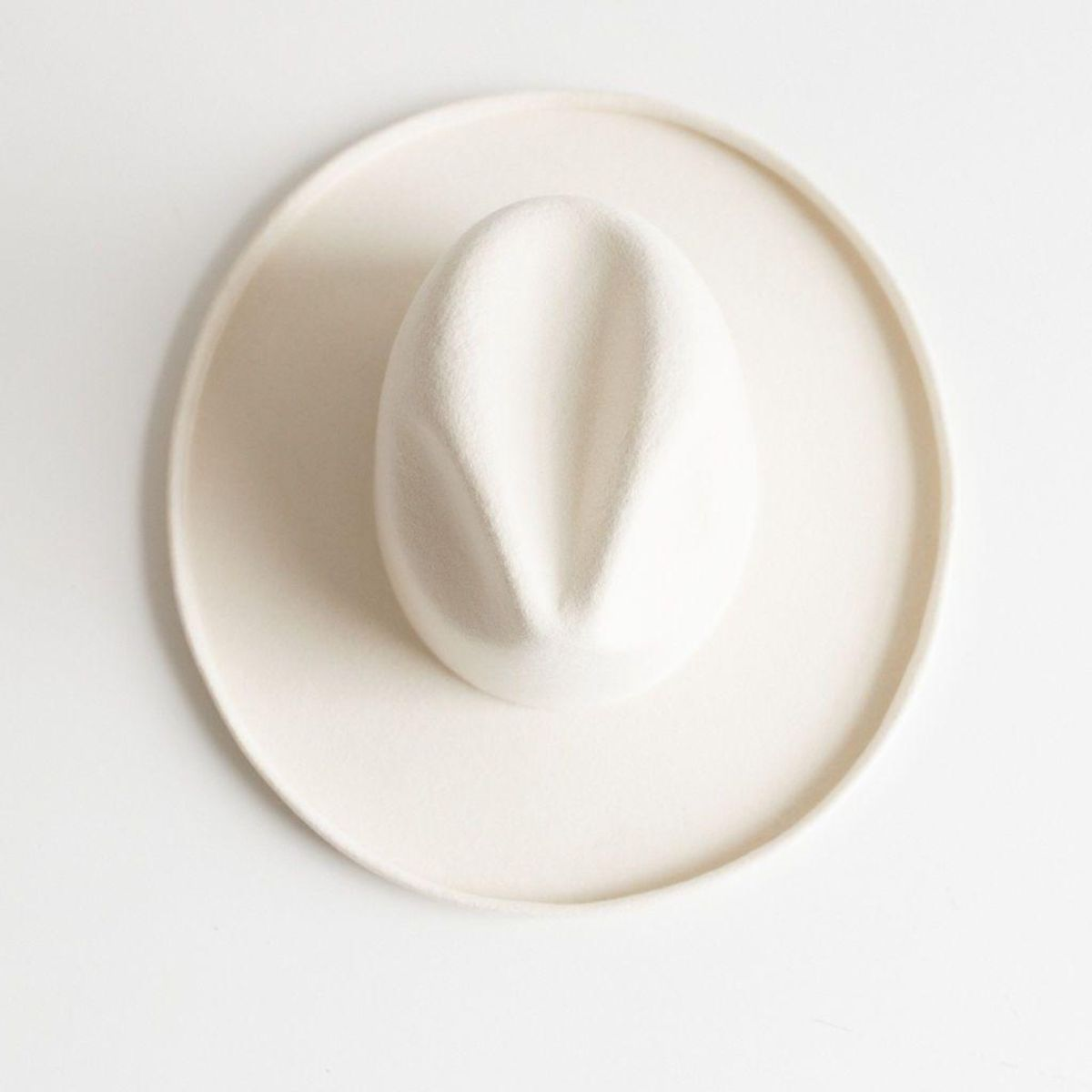 Load image into Gallery viewer, 100% Austrailian wool off white hat