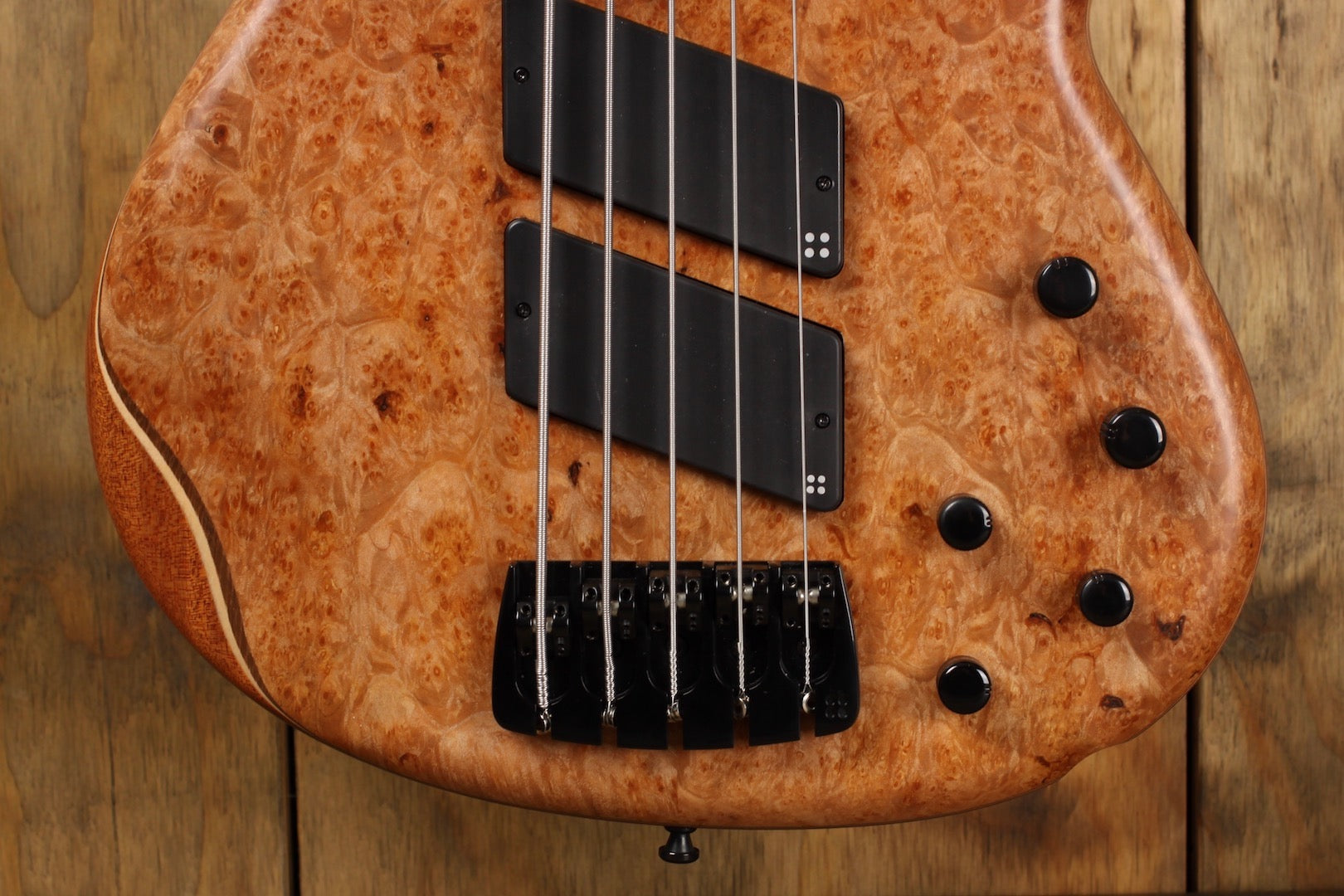 Sand­berg Pan­ther 5 Maple Burl 35