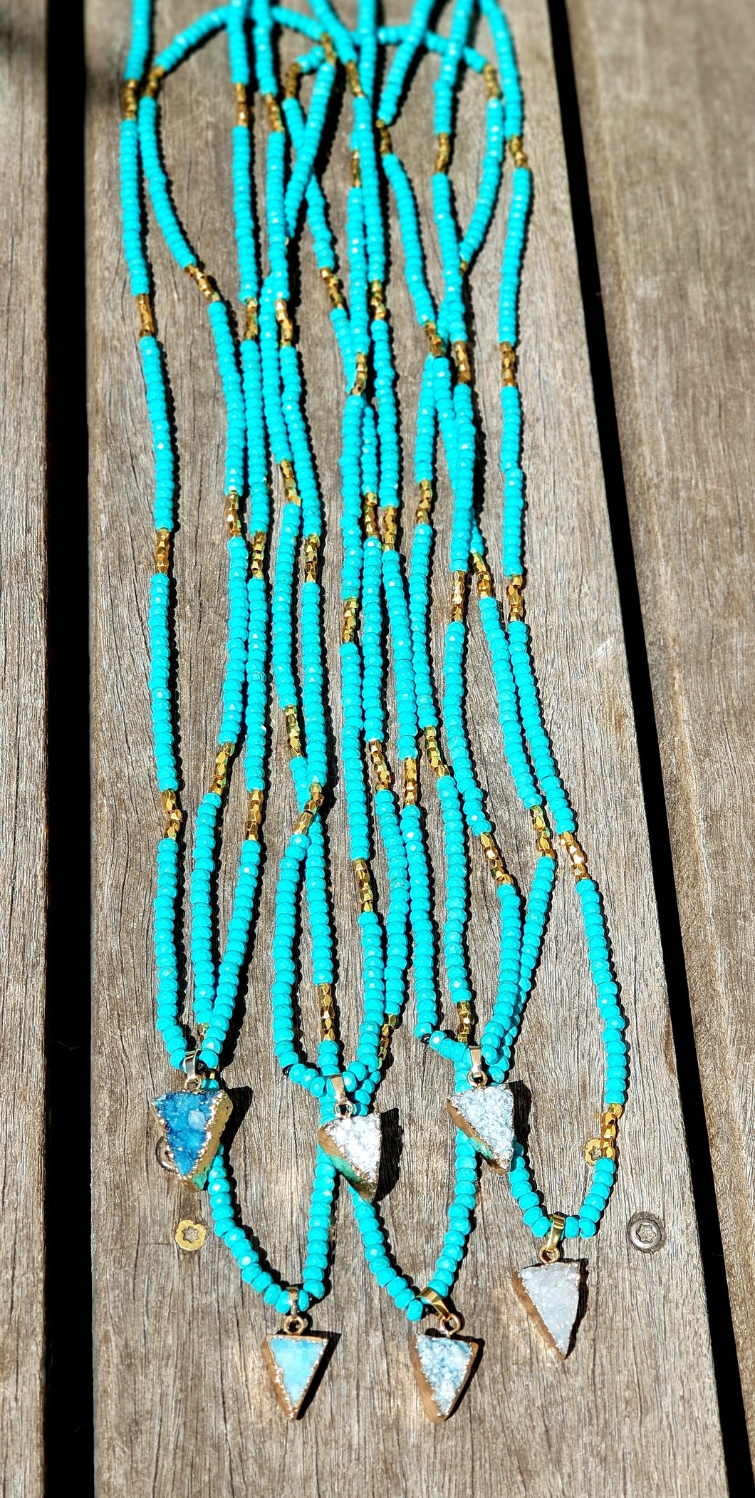 Pakaha turquoise beads necklace with a triangle agate stone - Uli Uli Jewelry
