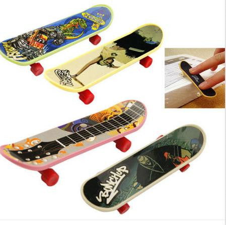 1PCS 1PC Kids Children Mini Finger Board Fingerboard Skate Boarding
