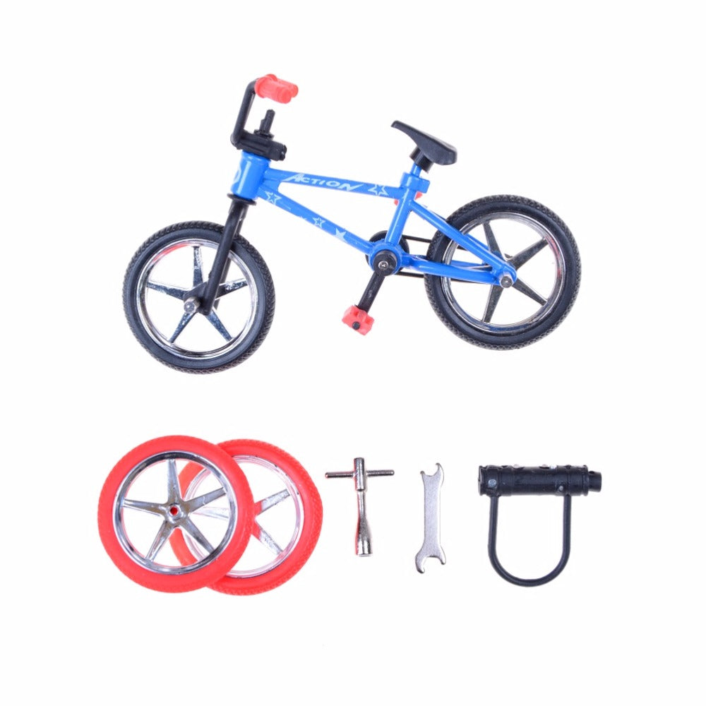 1PCS Randmonly Alloy Mini Finger Bikes Boy Toy Creative Game BMX