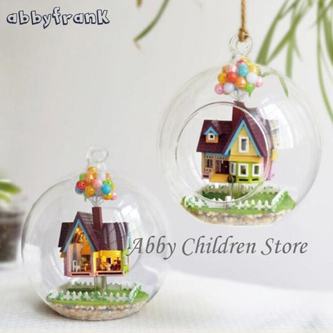 Abbyfrank Novelty DIY House Glass Paradise Flying Cabin Model With