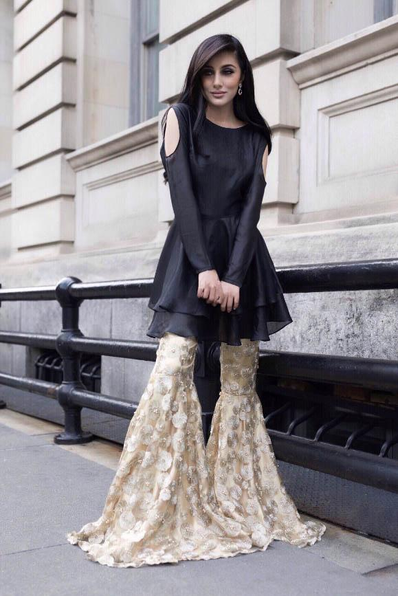 Samaira Ghani - Gold & Black Peplum With Gharara