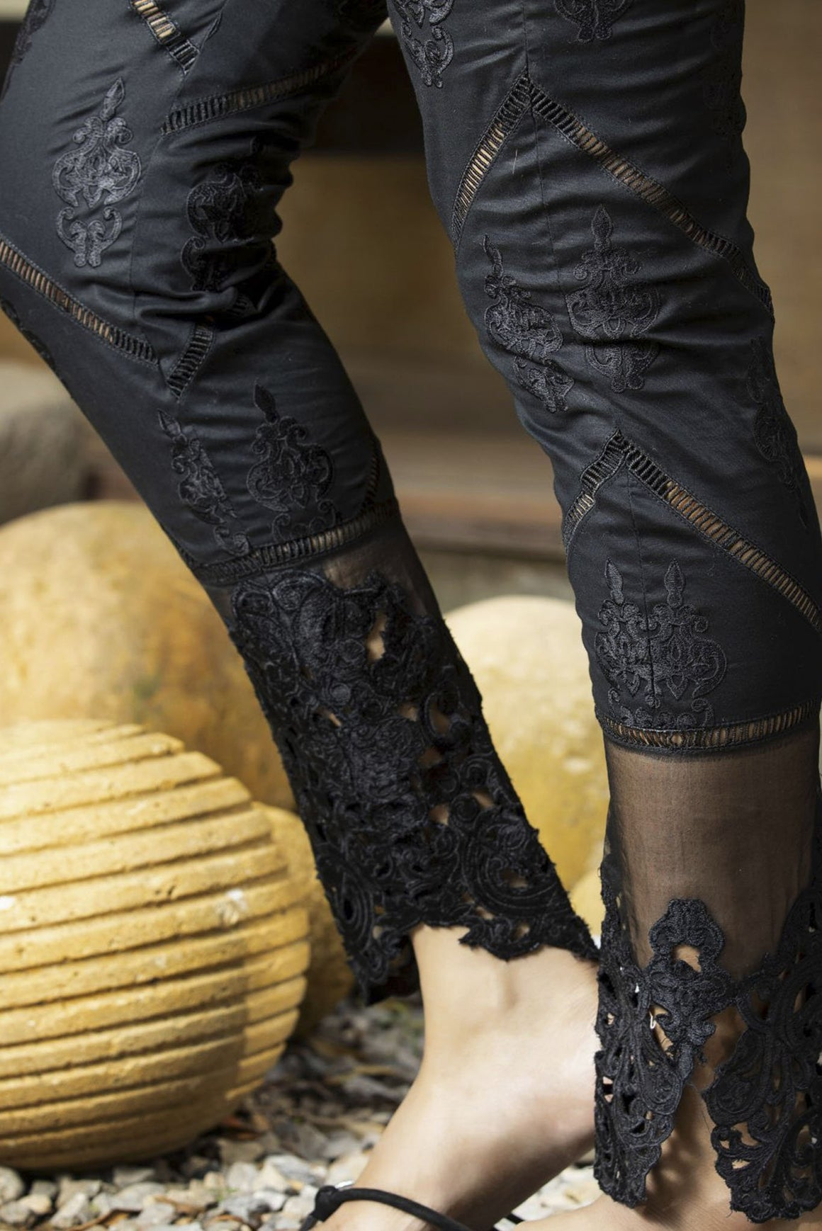 Zunn Fashion - Black Embroidery Pants - PD1