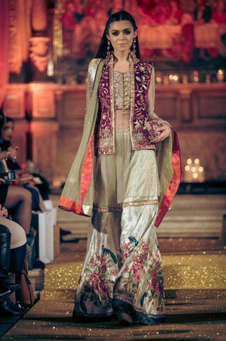 Faiza Samee - OFF THE RUNWAY