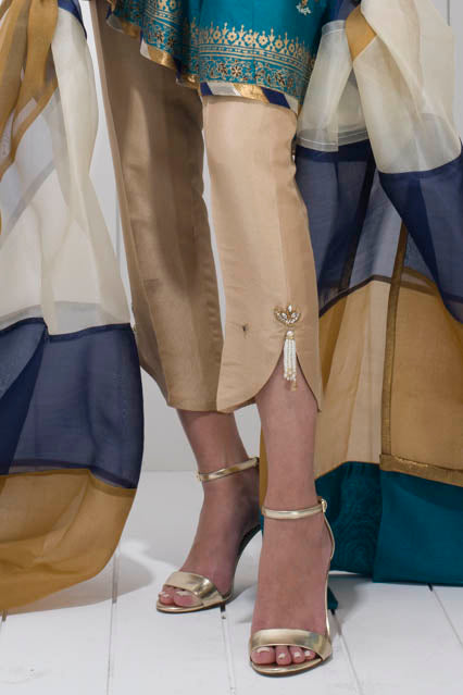 Sania Maskatiya - Raw Silk Pants With Tassels