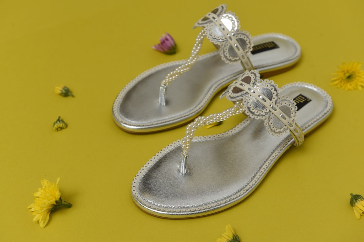 Illume - Silver and Ivory Lacey Flat