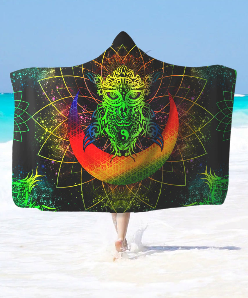 Colorful Green Yin Yang Galaxy Owl Hooded Blanket