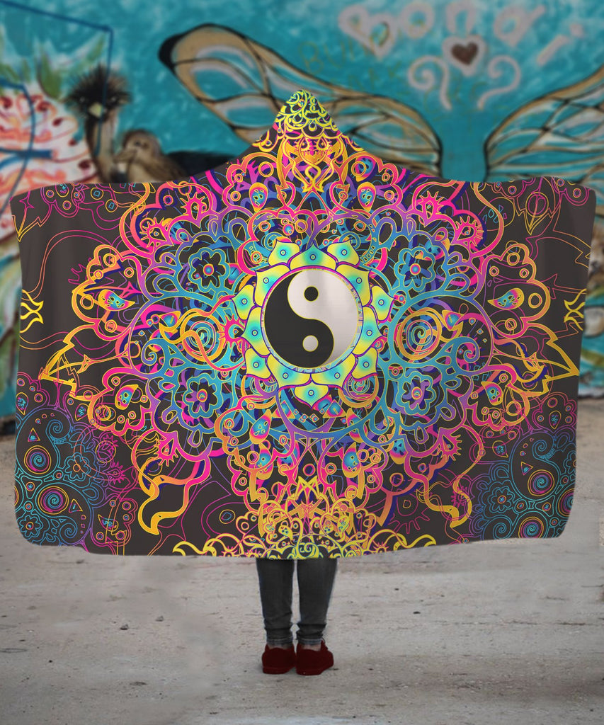 Flower Yin Yang Hooded Blanket - ShantiBanti