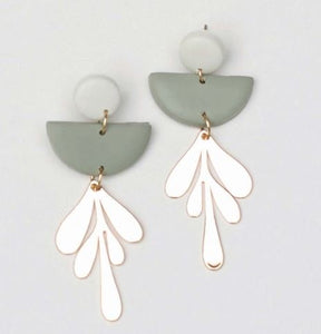 Blythe Gray & Ivory Earrings
