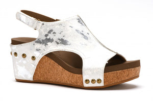 Carley Wedge in White Metallic