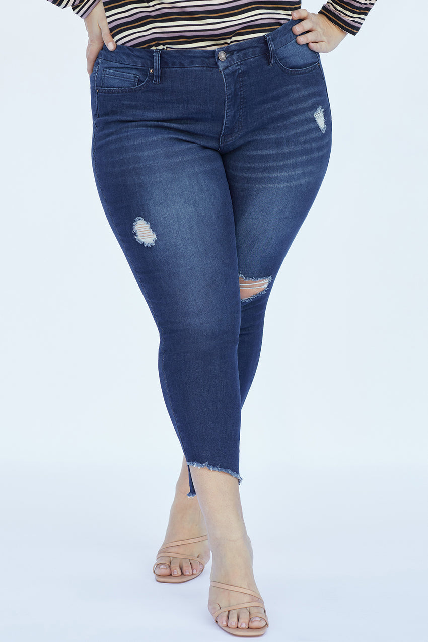 Plus Size High-Rise Frayed Slanted Ankle Jean