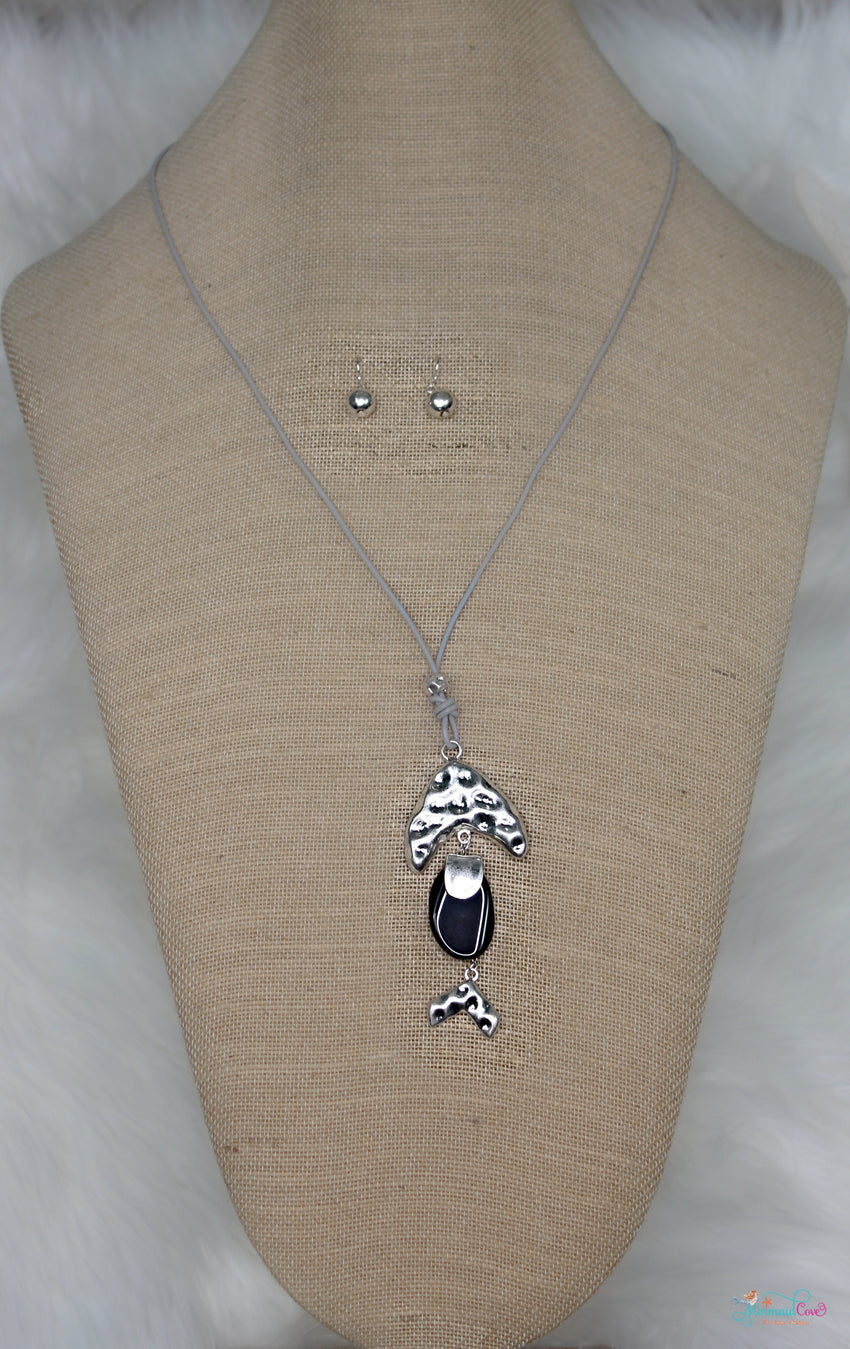 Stone Body Fish Necklace and Earring Set -Available in 2 Colors!