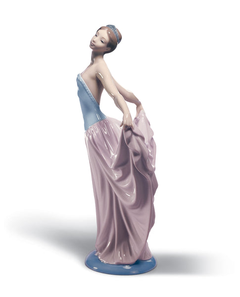 Lladro Dancer Woman Figurine - Dalmazio Design