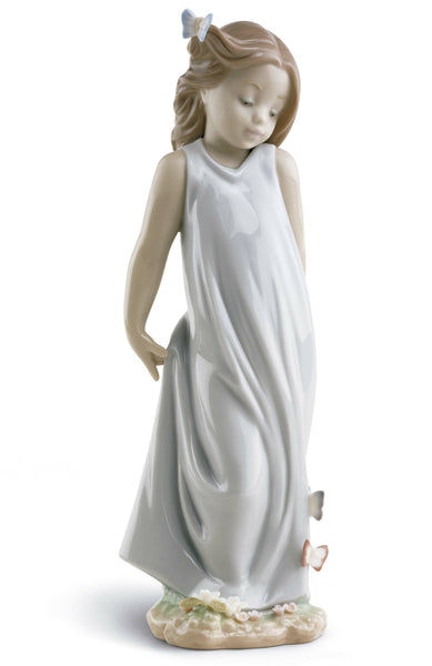 Lladro Friend of The Butterflies Girl Figurine - Dalmazio Design