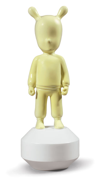 Lladro The Yellow Guest Figurine. Small Model. - Dalmazio Design