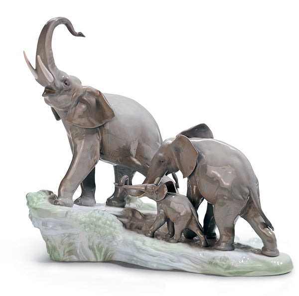 Lladro Elephants Walking Figurine - Dalmazio Design