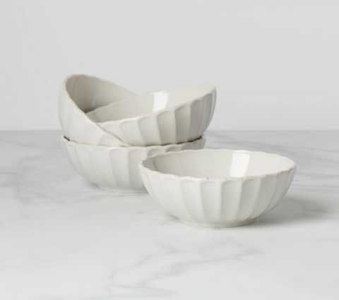 French Perle 4-Piece Scallop Bowl Set
