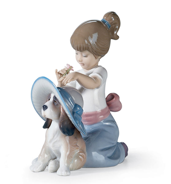 Lladro An Elegant Touch Girl Figurine - Dalmazio Design