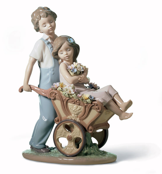 Lladro The Prettiest of All Couple Figurine - Dalmazio Design