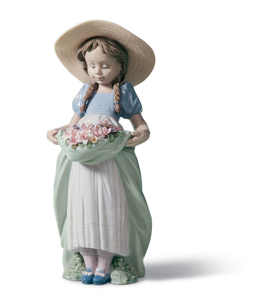 Lladro Bountiful Blossoms Girl Figurine - Dalmazio Design