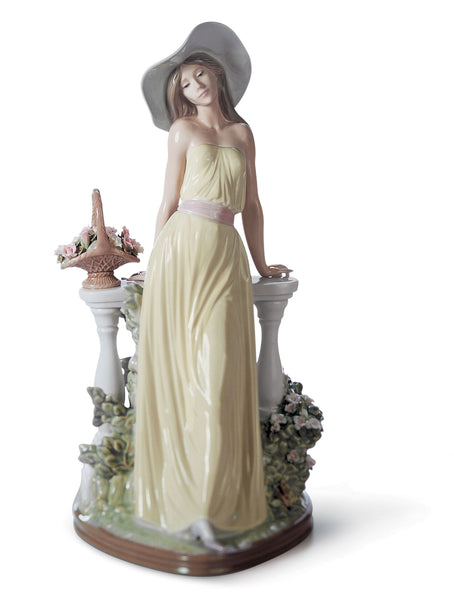 Lladro Time for Reflection Woman Figurine - Dalmazio Design