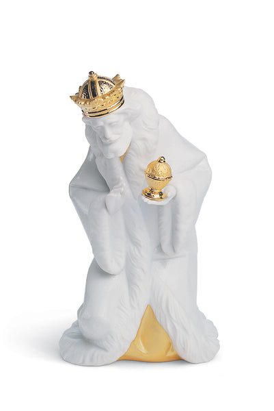 Lladro King Melchior Nativity Figurine. Golden Lustre - Dalmazio Design