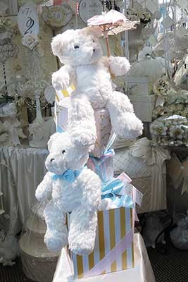 Dalmazio Design Giftbox Centerpiece Teddy Bears Rental