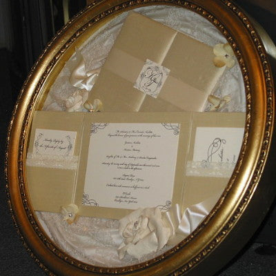 Keepsake Shadowbox - Elegant Round 14