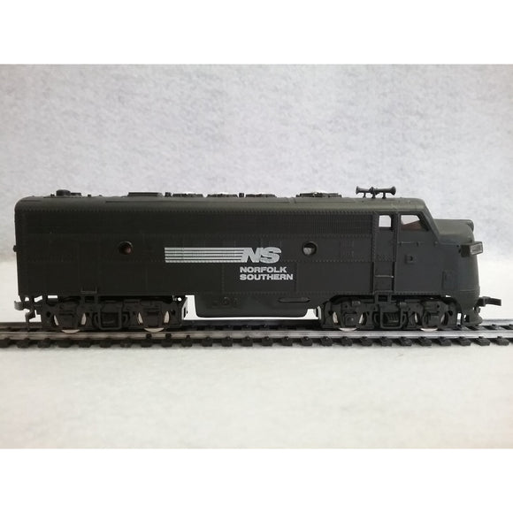 HO Scale Model Power F9 Norfolk Southern Locomotive - Swasey's Hardware & Hobbies
