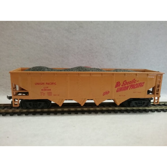 HO Scale Bachmann Union Pacific Hopper With Coal Load