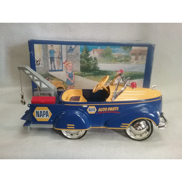 1/16 Scale NAPA 1940 Gendron Tow Truck Pedal Car Toy