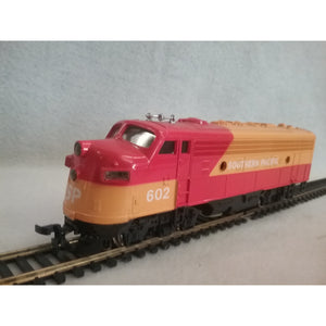 HO Scale Bachmann F7A Southern Pacific Locomotive #602