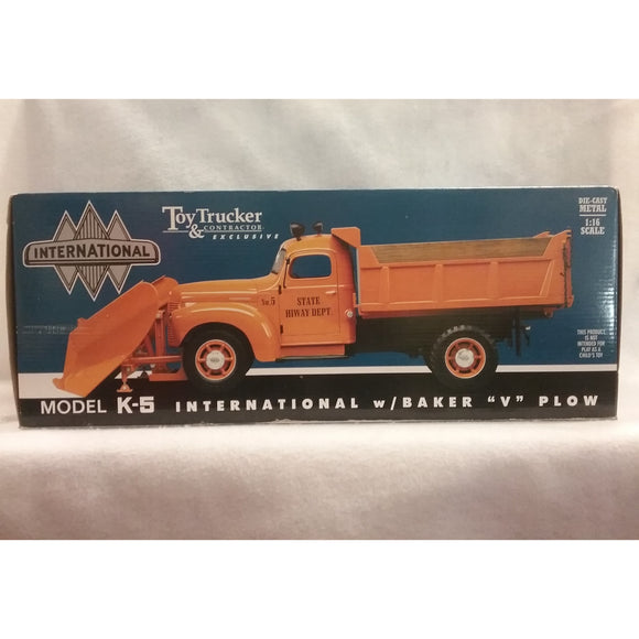 1/16 Scale Toy Trucker And Contractor No.40064 International Plow