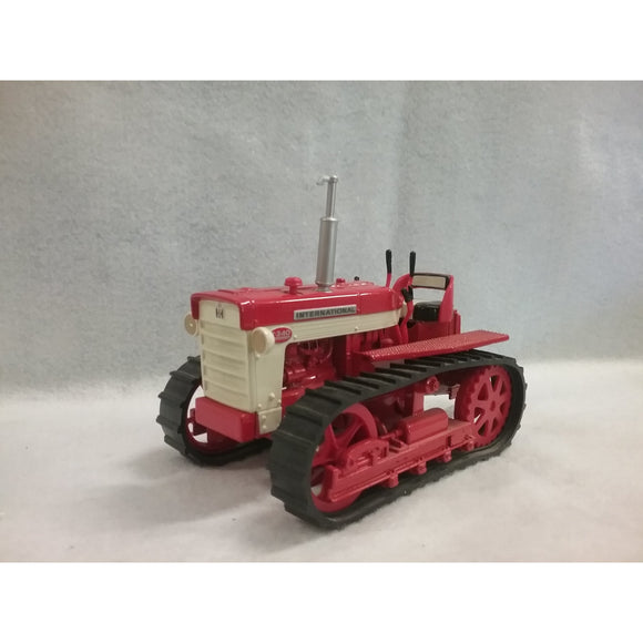 1/16 Scale ERTL 4734 International T-340 Die Cast Tractor
