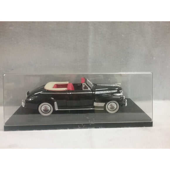 1/18 Scale Universal Hobbies H.K.  1941 Chevy Convertible