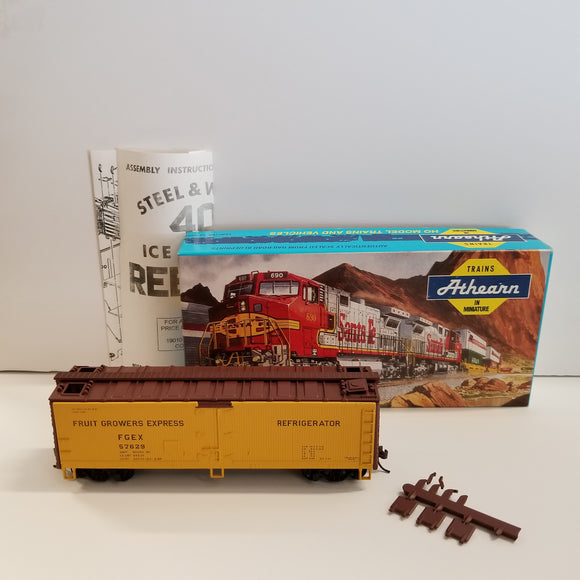 HO Scale Athearn No.5218 40 Foot Fruit Growers Express Wood Reefer