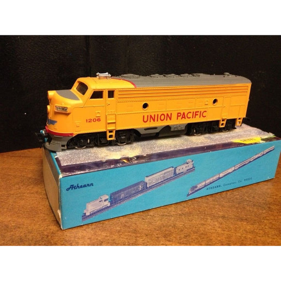 Bachmann F7A Union Pacifc - Swasey's Hardware & Hobbies