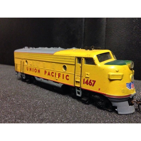 Athearn F7 Union Pacific unpowered - Swasey's Hardware & Hobbies