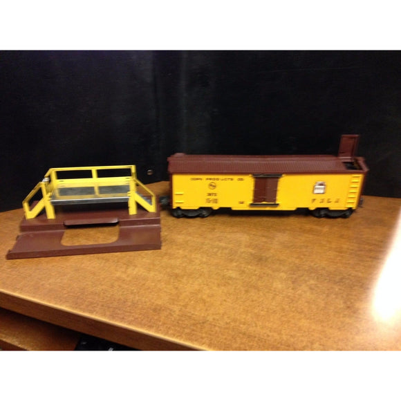 Lionel 3672 Bosco Corn Products Car and Stand - Swasey's Hardware & Hobbies